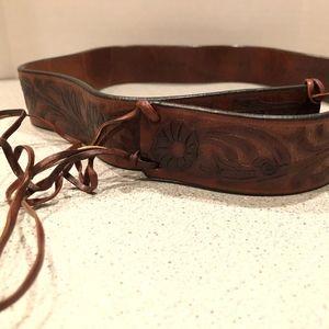 NWT Tommy Bahama Embossed Leather Belt Sz M
